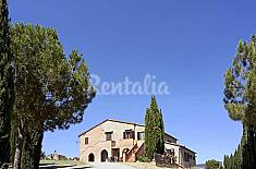House for rent with swimming pool Siena