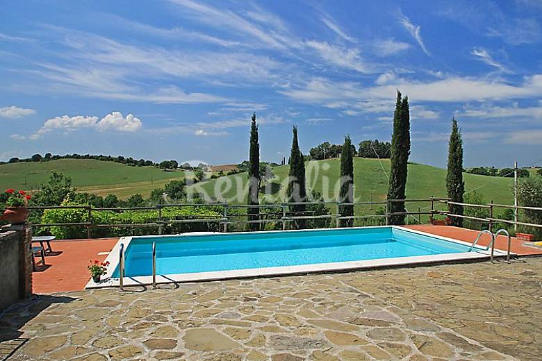 Casa en alquiler con piscina campino campagnatico for Alquiler de casas con piscina