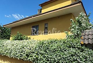 Apartment with private garden Rome