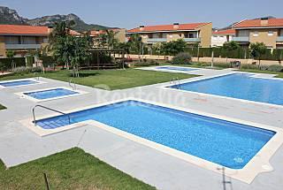 Casa con 3 piscinas, 2 Jacuzzis cerca de playa Tarragona