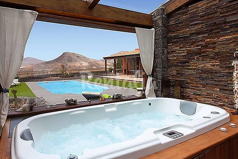 Villa en alquiler con piscina los estancos puerto del for Villas con piscina privada en fuerteventura