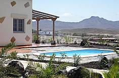 Villa for 6 people with swimming pool La Palma
