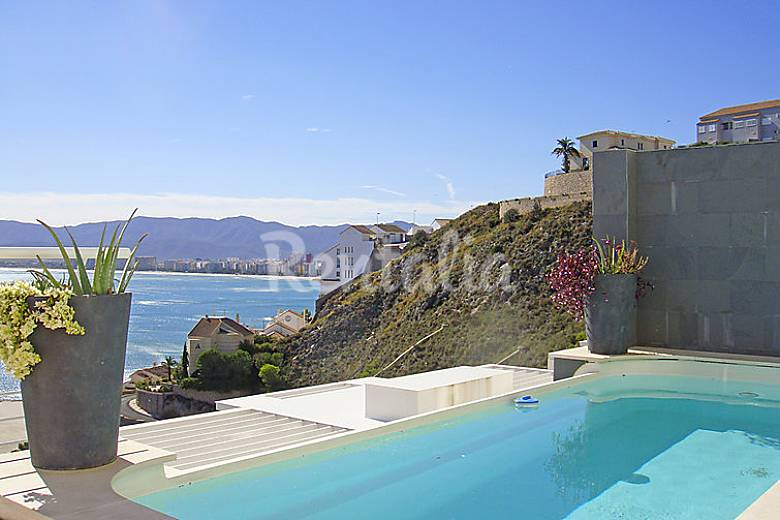 Casa para 6 personas con piscina mareny sant lloren for Piscinas publicas valencia
