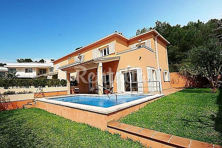 Casa en alquiler con piscina port d 39 alcudia alc dia for Casas con piscina mallorca