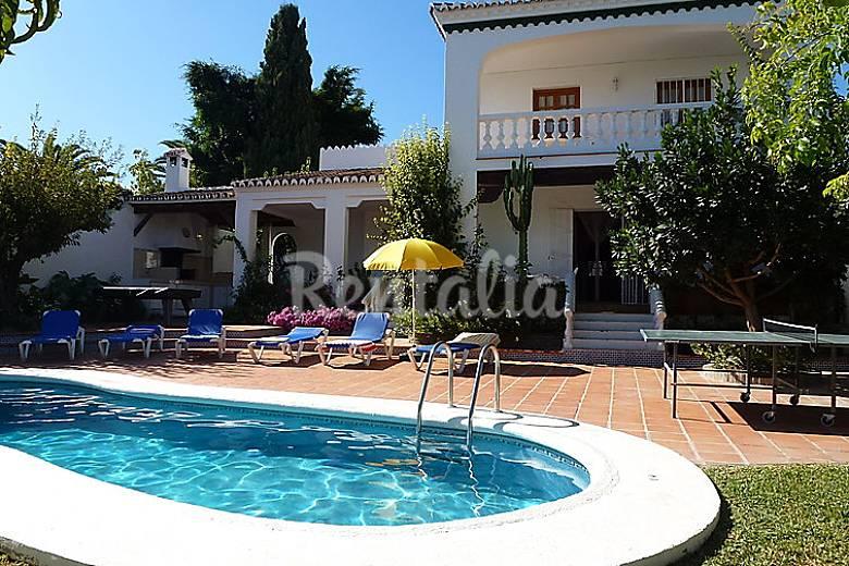 villa en alquiler con piscina nerja m laga costa del sol