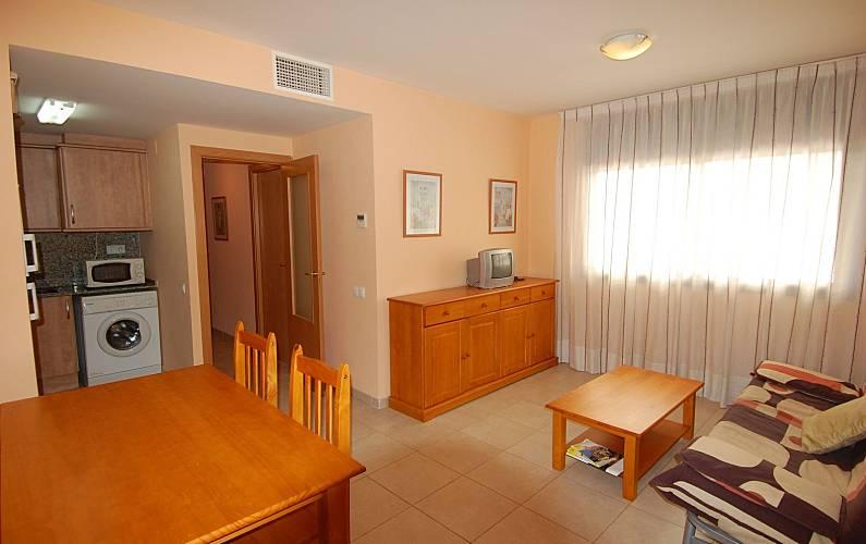 Apartamento para alugar a 400 m da praia l 39 ampolla for Sala 0 tarragona