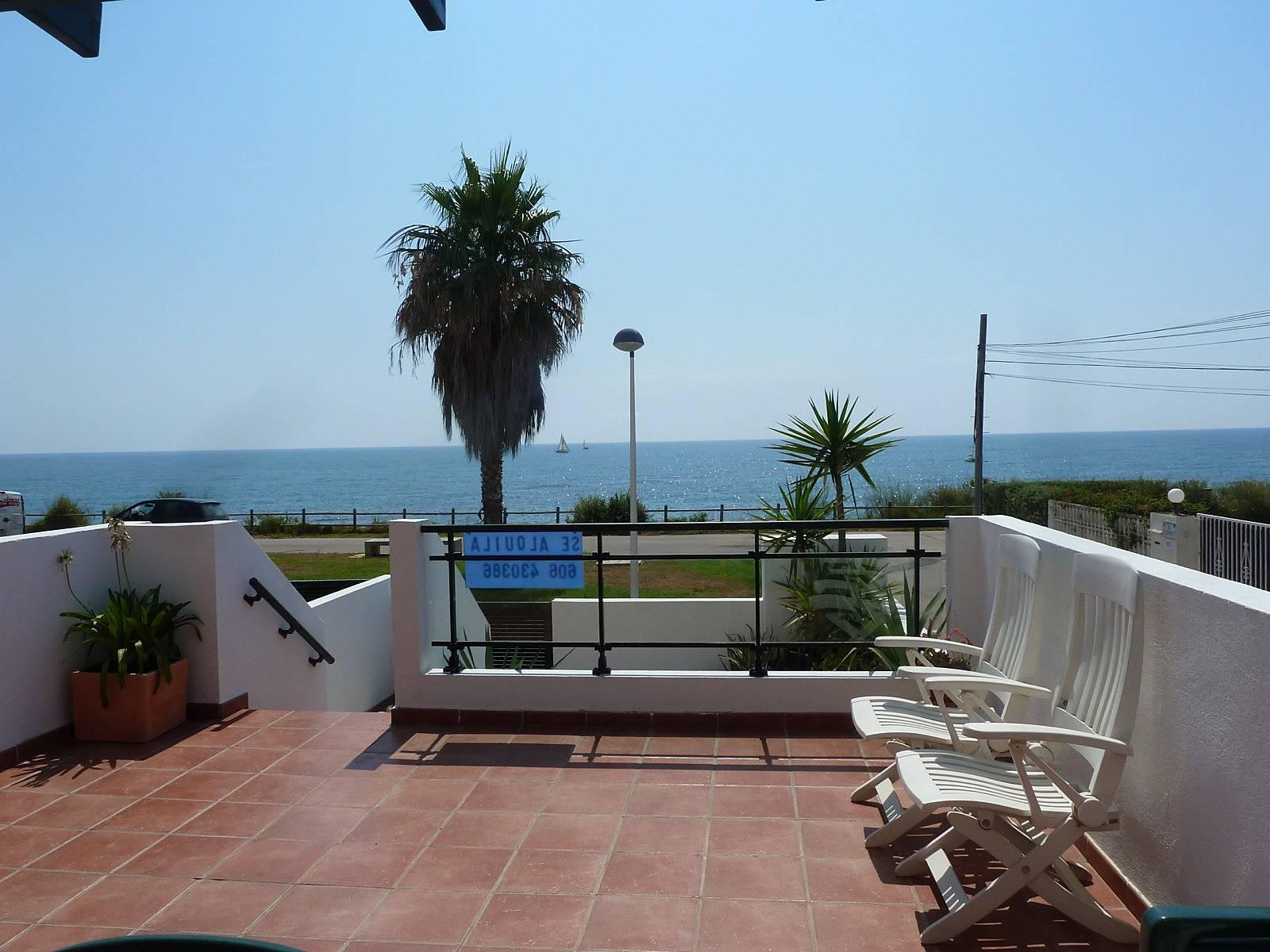 Apartamento en 1a l nea de playa con piscina vinar s castell n castell n costa del azahar - Hoteles en castellon con piscina ...