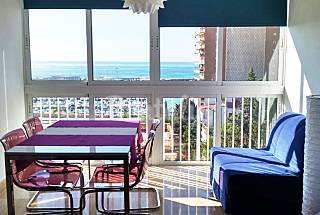 Apartment with sea views only 200 meters from the beach Alicante