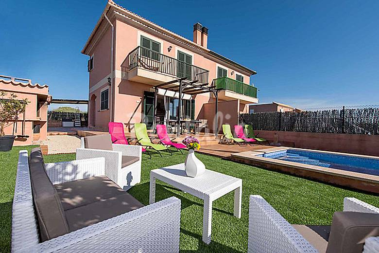 Casa en alquiler con piscina vallgornera nou llucmajor for Alquiler casas con piscina