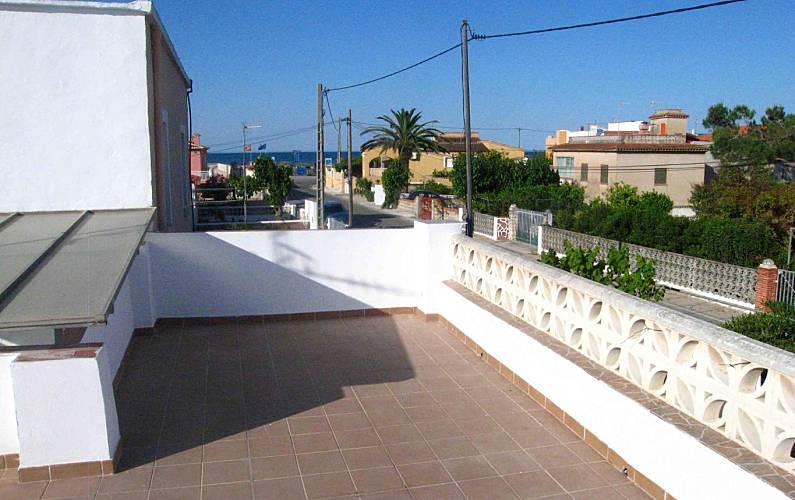 Huis te huur op 50 meter van het strand oliva playa oliva valencia for Terras strijkijzer