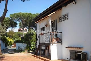Villa affascinante a 15 metri dalla spiaggia Latina