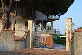 Villa and garden in the hills Catania