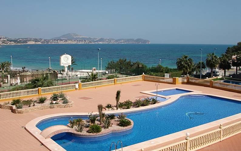 Apartamento para alugar a 100 m da praia calpe calp for Piscinas calpe