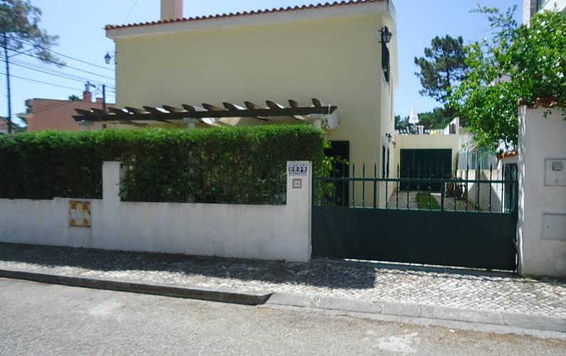 Villa For 12 18 People 2 Km From The Beach Charneca De