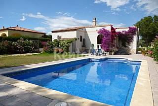 Gran chalet con piscina independiente Tarragona