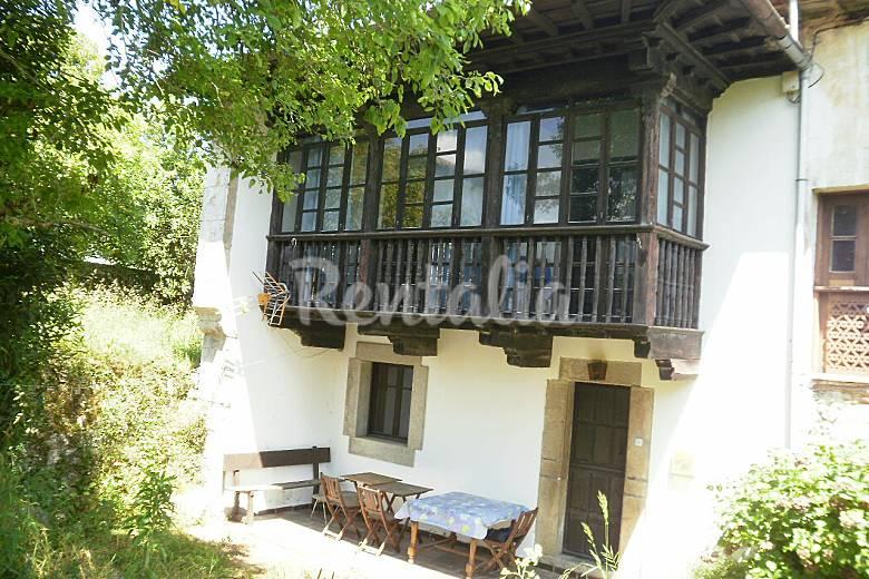 Casa con jardin en celorio a 450 m de la playa celorio for Casa jardin asturias