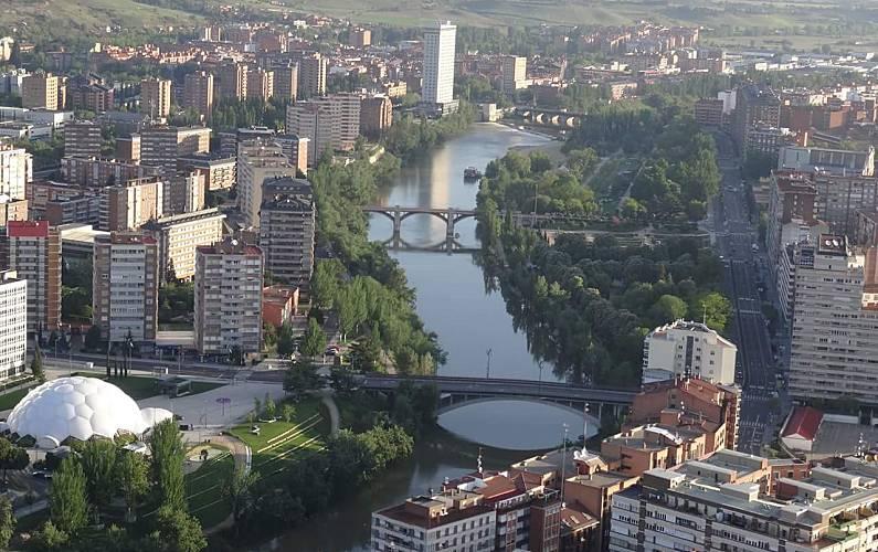 Amplio Exterior del aloj. Valladolid Valladolid Apartamento - Exterior del aloj.