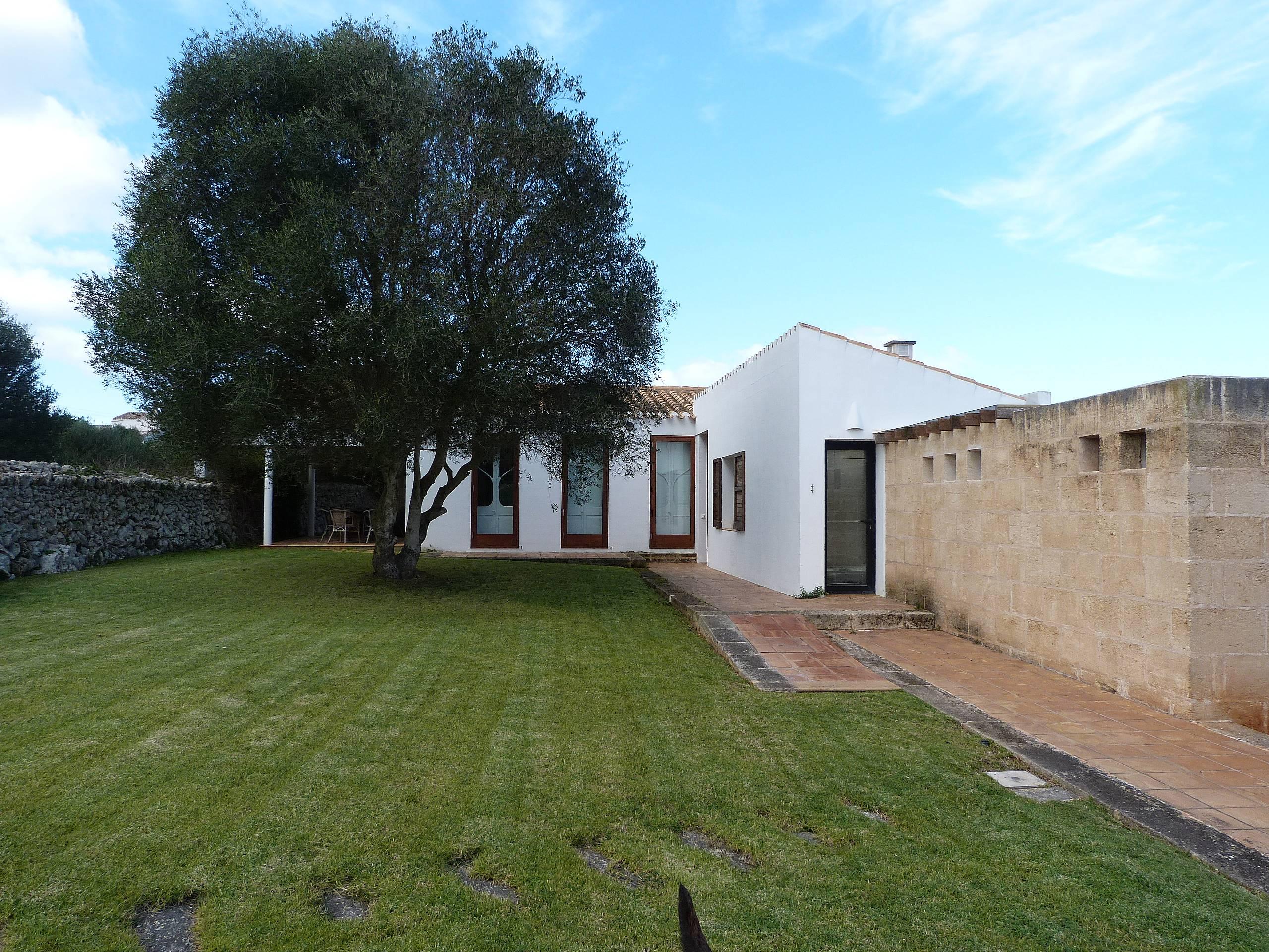 Casa rurale con 4 camere e 3 bagni lungo la costa del for Casa colonica vivente del sud