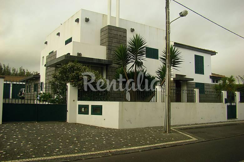 Vivenda Exterior da casa Ilha de São Miguel Ponta Delgada vivenda