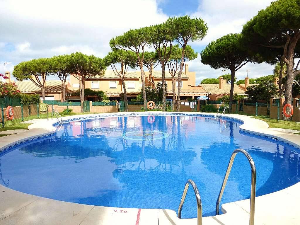 Casa olympia piscina 2 habitaciones 200m la playa for Piscinas chiclana