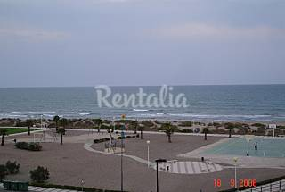 Apartment for 4-6 people only 20 meters from the beach Valencia