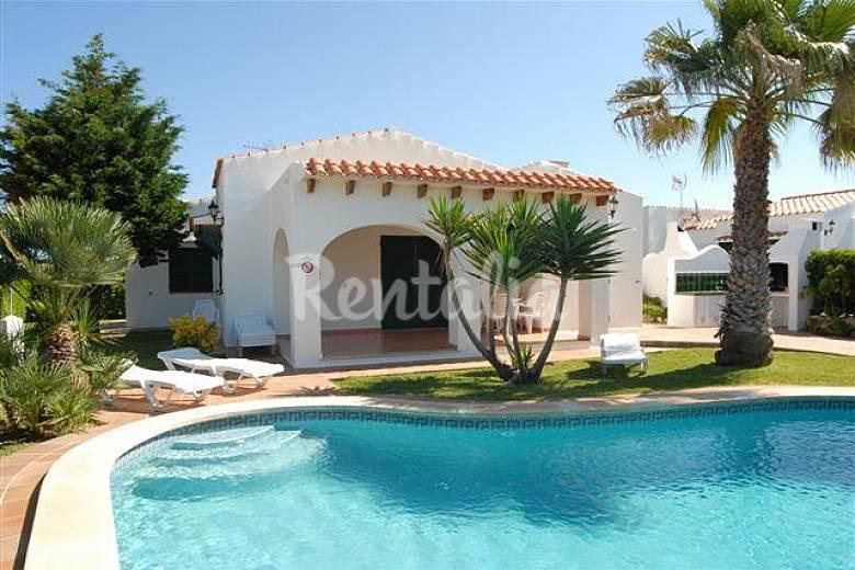 Villa met barbecue en priv zwembad cap d 39 artrutx ciutadella de menorca menorca - Buiten villa outs ...