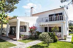 Villa, beach, close to Lisbon, garden, BBQ Setúbal