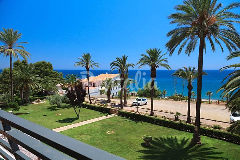 Apartamento con bonitas vistas en miami playa miami for Apartamentos jardin playa larga tarragona