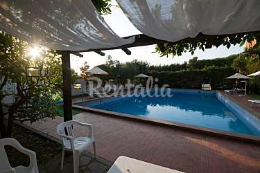 Villa con 5 stanze lazio velletri roma castelli romani for Piscina g s roma 53 roma