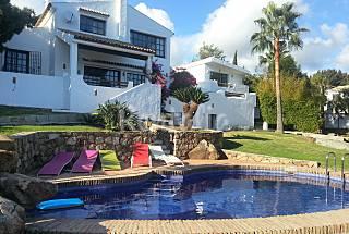 Villa en alquiler a 8 km de la playa