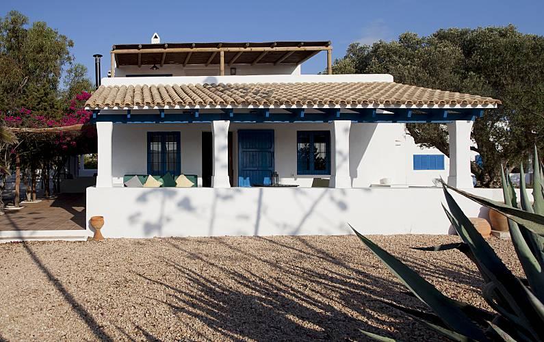 Badkamer Op Formentera : Huis te huur op meter van het strand formentera formentera