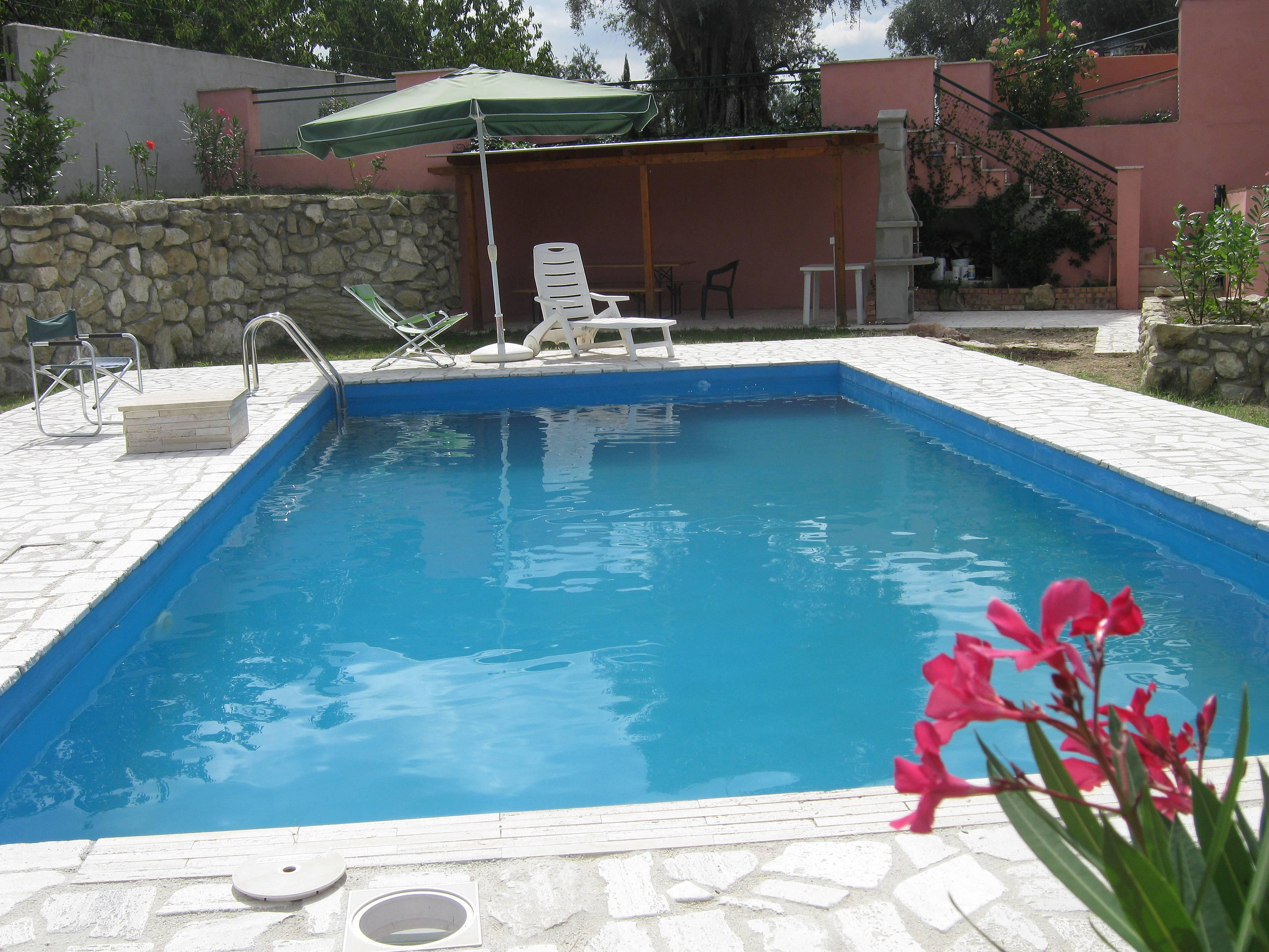 Appartamenti con 1 stanza con piscina corese terra fara - Piscina passo corese ...
