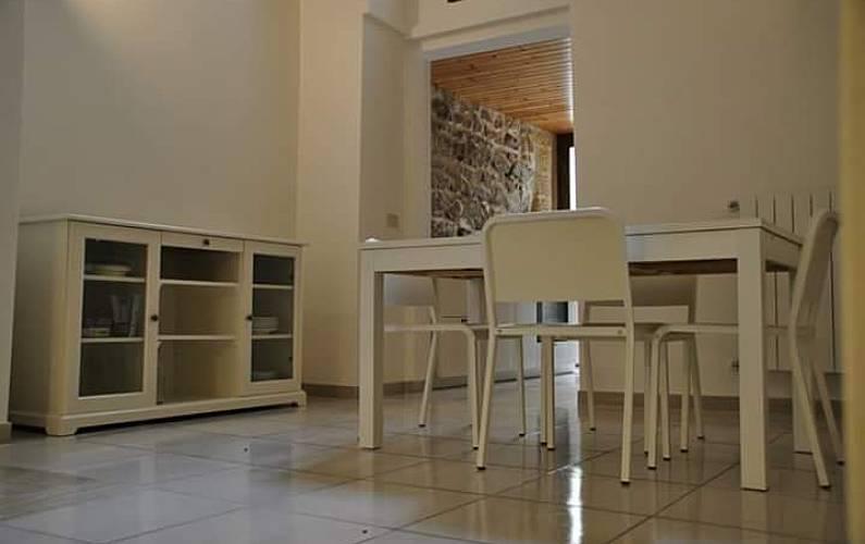 Haus mit 2 zimmern 10 km bis zum strand lecce lecce for Esszimmer italienisch