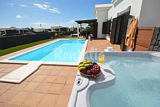 Luxury Villa with swiming pool electric heated Lanzarote
