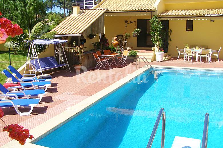 Apartment Pool Beach 20 Km From Lisbon Seixal