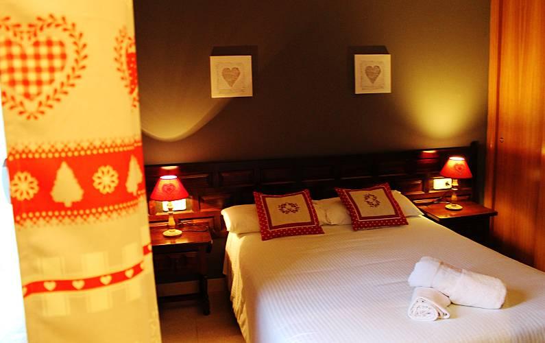6 Bedroom La Massana Apartment - Bedroom