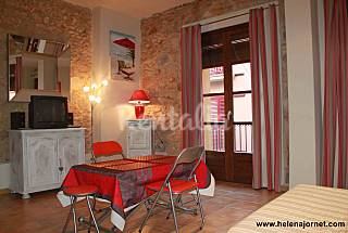 Apartment only 230 meters from the beach Girona