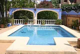 Villa de 4 habitaciones a 750 m de la playa Alicante