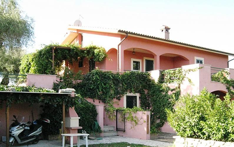 Appartamenti con 1 stanza con piscina Rieti