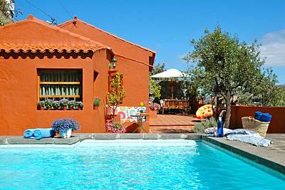 Piscinas naturales para disfrutar en verano idealista news - Casas rurales en gran canaria con piscina privada ...