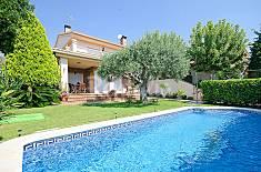 Preciosa casa con jardín y piscina Tarragona