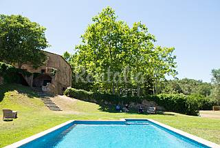 4 Houses with swimming pool Girona