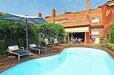 Casa en alquiler a 2.1 km de la playa Barcelona