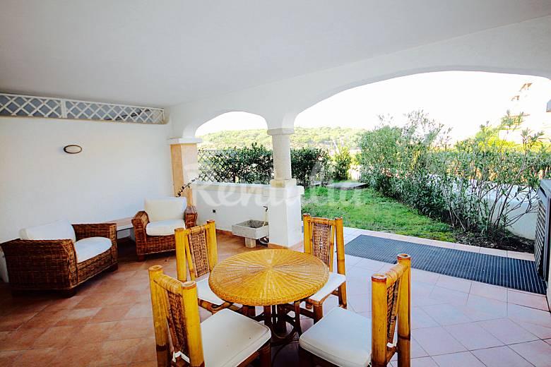 Klabhouse spargi piscina e veranda stg 4px santa teresa for Piscina santa teresa