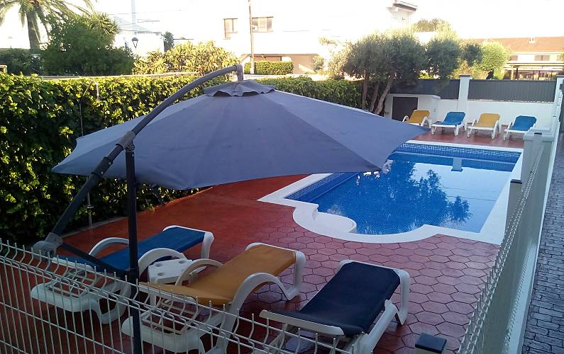 Villa 5 chambres avec piscine priv e plage a 200 m for Alentour piscine