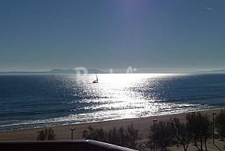 Apartment with 1 bedrooms on the beach front line Girona