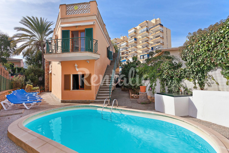 Villa con piscina a 300 m de la playa s 39 arenal palma - Piscinas palma de mallorca ...