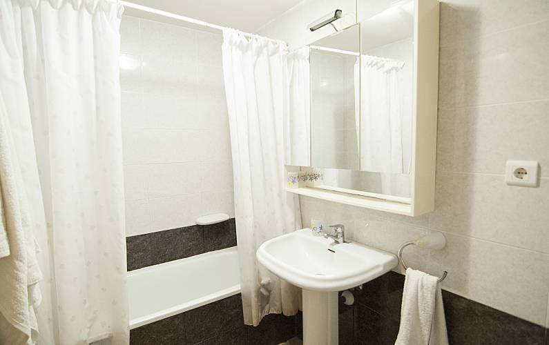 Apartment Bathroom Tarragona Vandellòs i l'Hospitalet de l'Infant Apartment - Bathroom