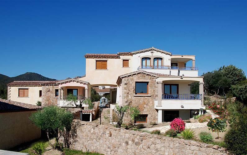 Casa para 4-13 pessoas a 500 m da praia Olbia-Tempio - Exterior da casa