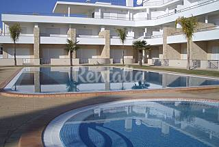 Apart. for 4-5 pax only 300 meters from the beach Algarve-Faro